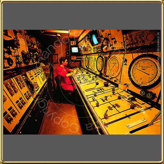 hyperbaric control room #industrial-photo